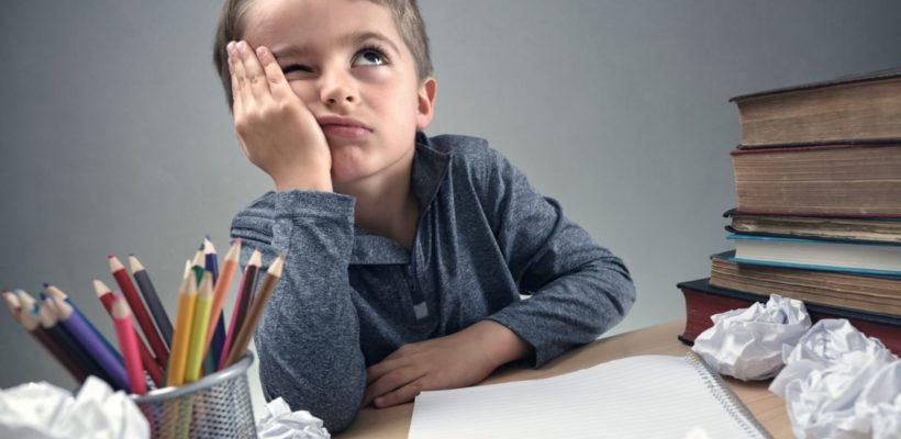 Lo sapevi che alcuni problemi di vista del tuo bambino possono dipendere dalla postura? Ti spiego cosa fare.